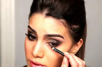 Make Up Für Braune Augen Und Dunkle Haare Anwendungsphasen Tag